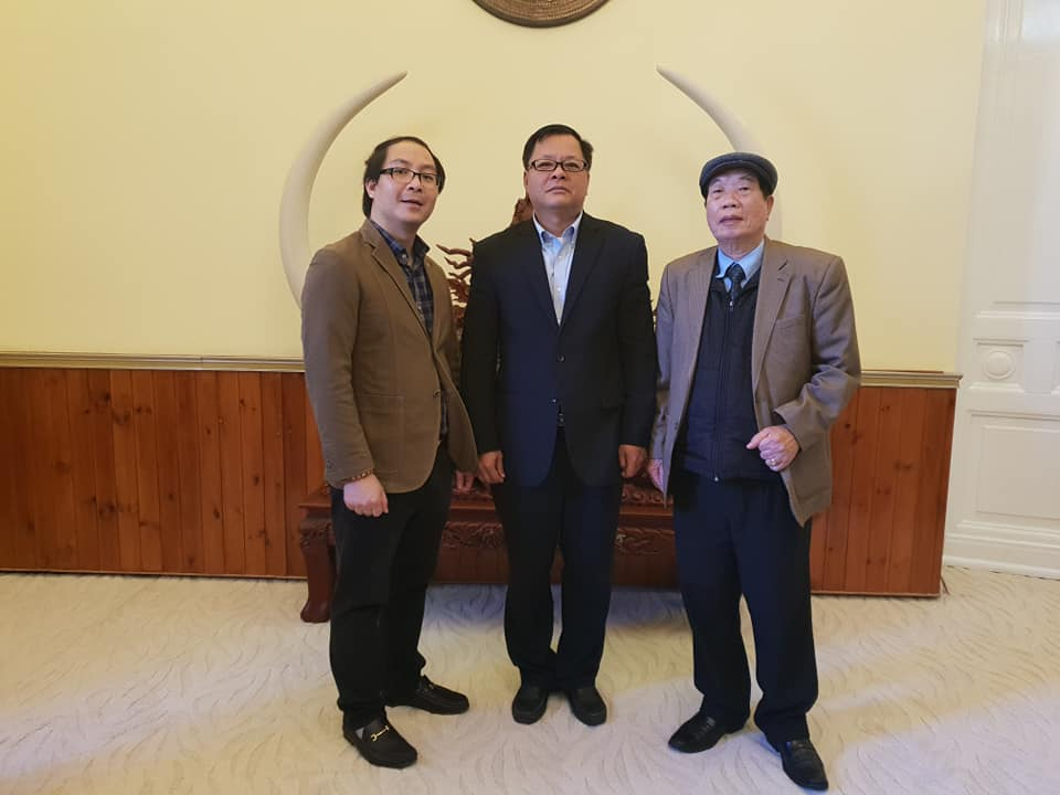 (HFC) met with e / c Le Chile Counselors Vietnam DHS management in Russia