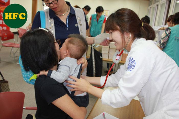 Sinh viên Đại học Kosin đặc biệt tham gia các chương trình khám bệnh & phát thuốc miễn phí